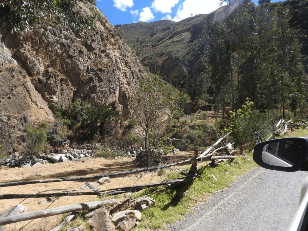 camino a huancaya