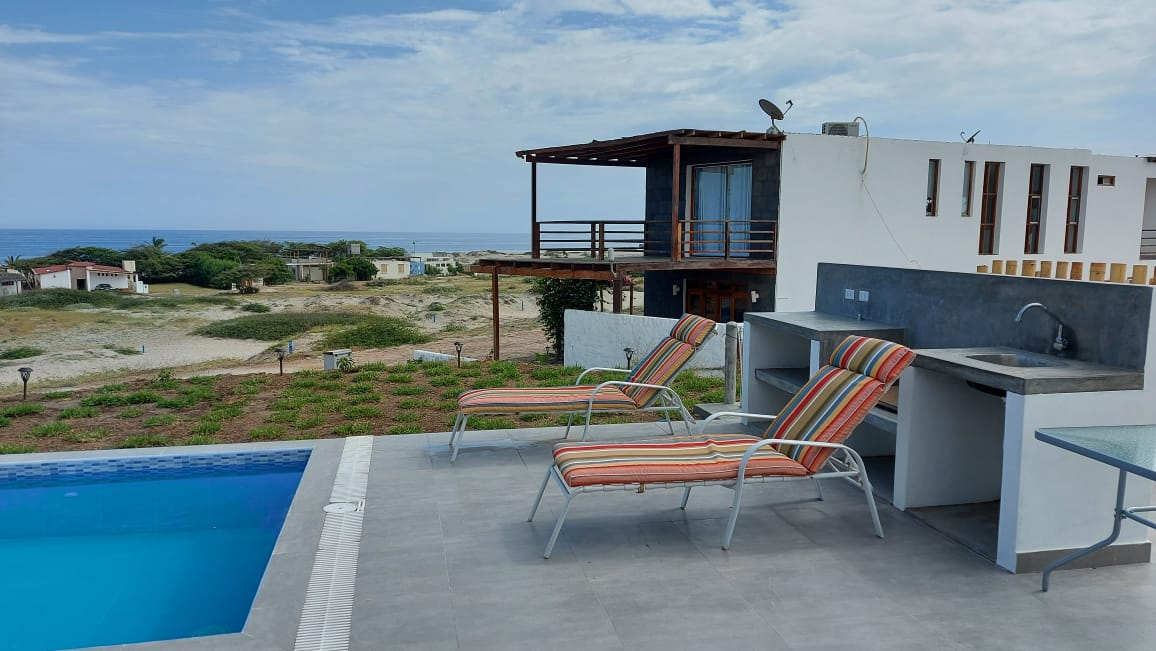 casa de playa con vista al mar en vichayito 01